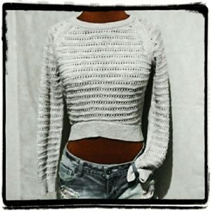 MOTH cropped light knit side ribbed cream sweater